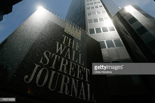 NEW YORK - MAY 04: A Midtown Manhattan office of the Wall Street Journal is seen May 4, 2007 in New York. Rupert Murdoch made an offer to buy Dow Jones& Co. for $5 billion dollars .(Photo by Chris Hondros/Getty Images)